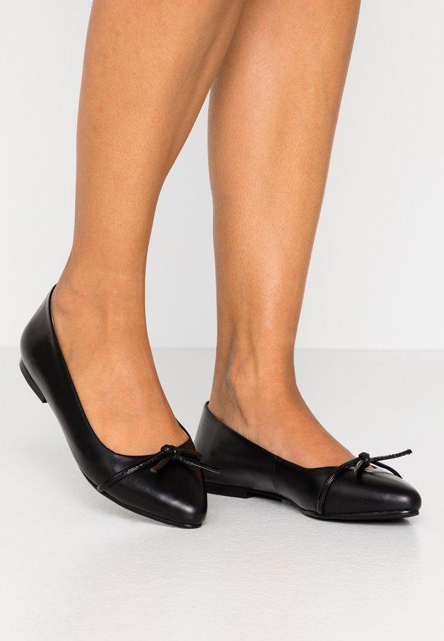 LEATHER BALLERINA - Ballet pumps - black