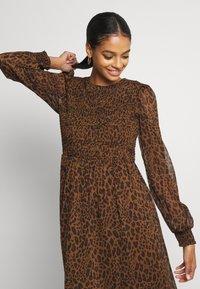 Vero Moda - VMSIFFY O NECK SMOCK CALF DRESS - Day dress - coffee liqueúr - 3