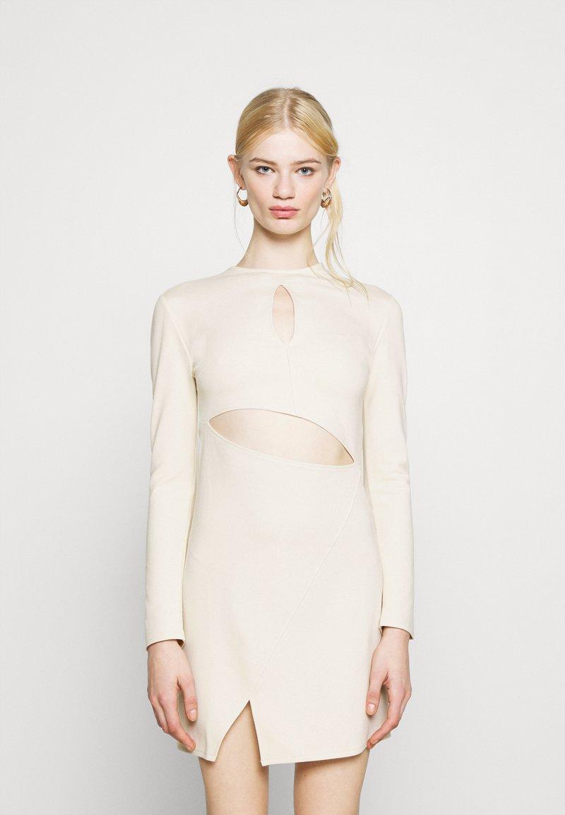 NU-IN - STEFANIE GIESINGER X nu-in CUT OUT LONG SLEEVE MINI DRESS - Shift dress - beige