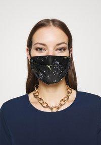 By Malene Birger - DANDELION RAMIA - Community mask - black - 0