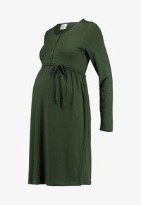 MAMALICIOUS - MLSHANA LIA DRESS - Vestido ligero - climbing ivy - 3