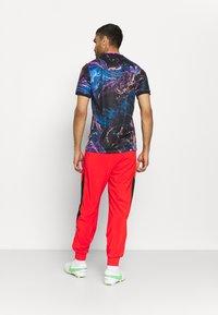 Nike Performance - FC PANT - Pantaloni sportivi - chile red/black - 2