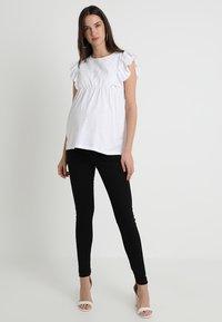 JoJo Maman Bébé - BRODERIE ANGLAISE - Print T-shirt - white - 1