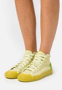 adidas Originals - NIZZA  - Vysoké tenisky - ice yellow/unity lime/offwhite - 3