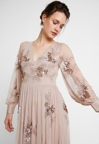 Maya Deluxe - PLUNGE FRONT ALL OVEREMBELLISHED MAXI DRESS WITH SPLIT - Occasion wear - taupe blush - 3