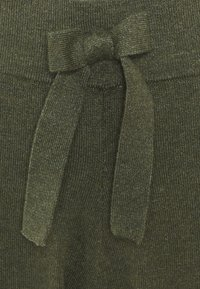 Saint Tropez - EDITHA PANTS - Trousers - army green melange - 2
