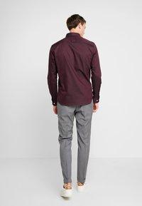 Selected Homme - SLHSLIMNEW MARK SLIM FIT - Formal shirt - winetasting - 2