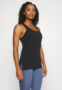 Nike Performance - YOGA LAYER TANK - T-shirt de sport - black - 0