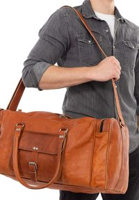 Gusti Leder - Weekend bag - brown - 0