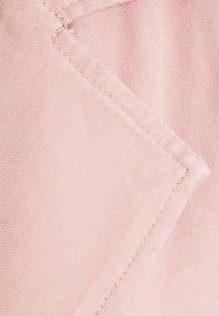 ONLY - ONLARIS LONG BELT - Trenchcoat - misty rose - 6