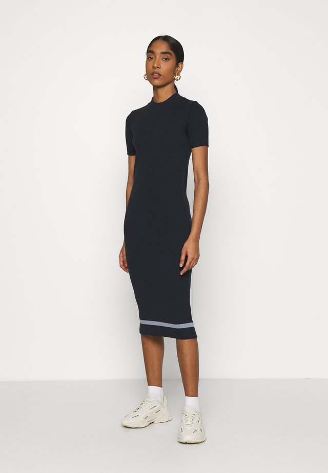 RUE ABOVE THE KNEE SKIRT - Abito in maglia - total eclipse