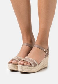 Anna Field - COMFORT - Loafers - taupe - 0