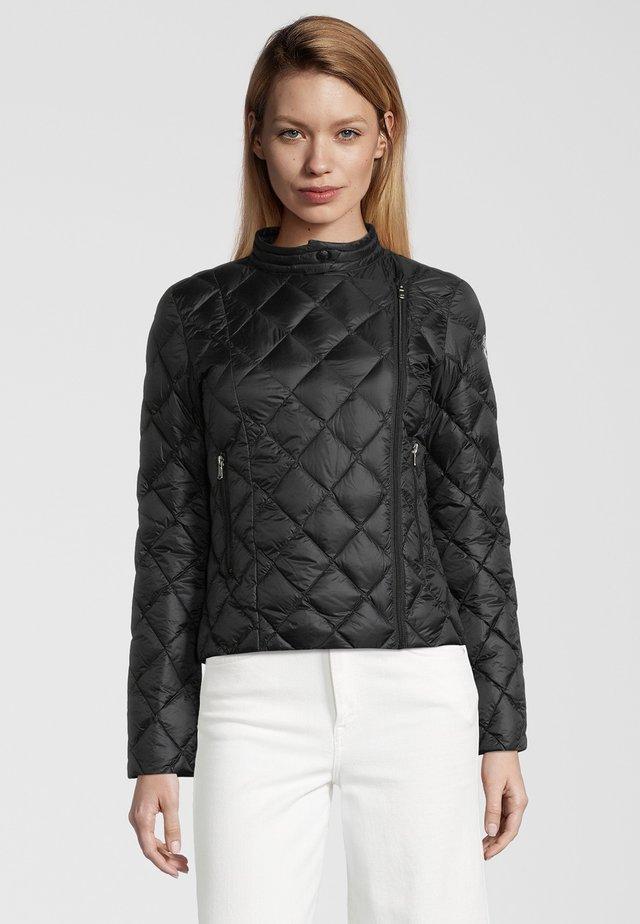 PRISKA - Gewatteerde jas - black