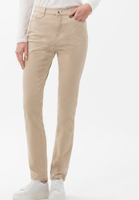 BRAX - STYLE MARY - Jeans slim fit - sand - 0