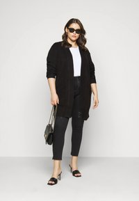 New Look Curves - CARDIGAN - Cardigan - black - 1
