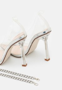 BEBO - RIDHAM - Classic heels - clear - 5