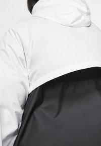 Nike Sportswear - PLUS - Summer jacket - white/black - 4