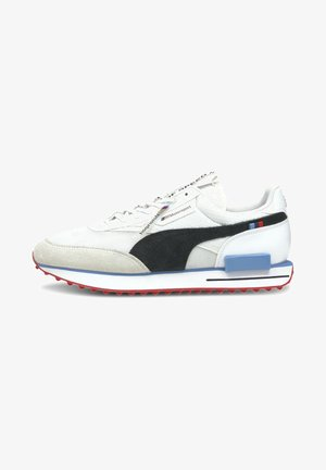 Sneakers - p white-p black-highrisk red