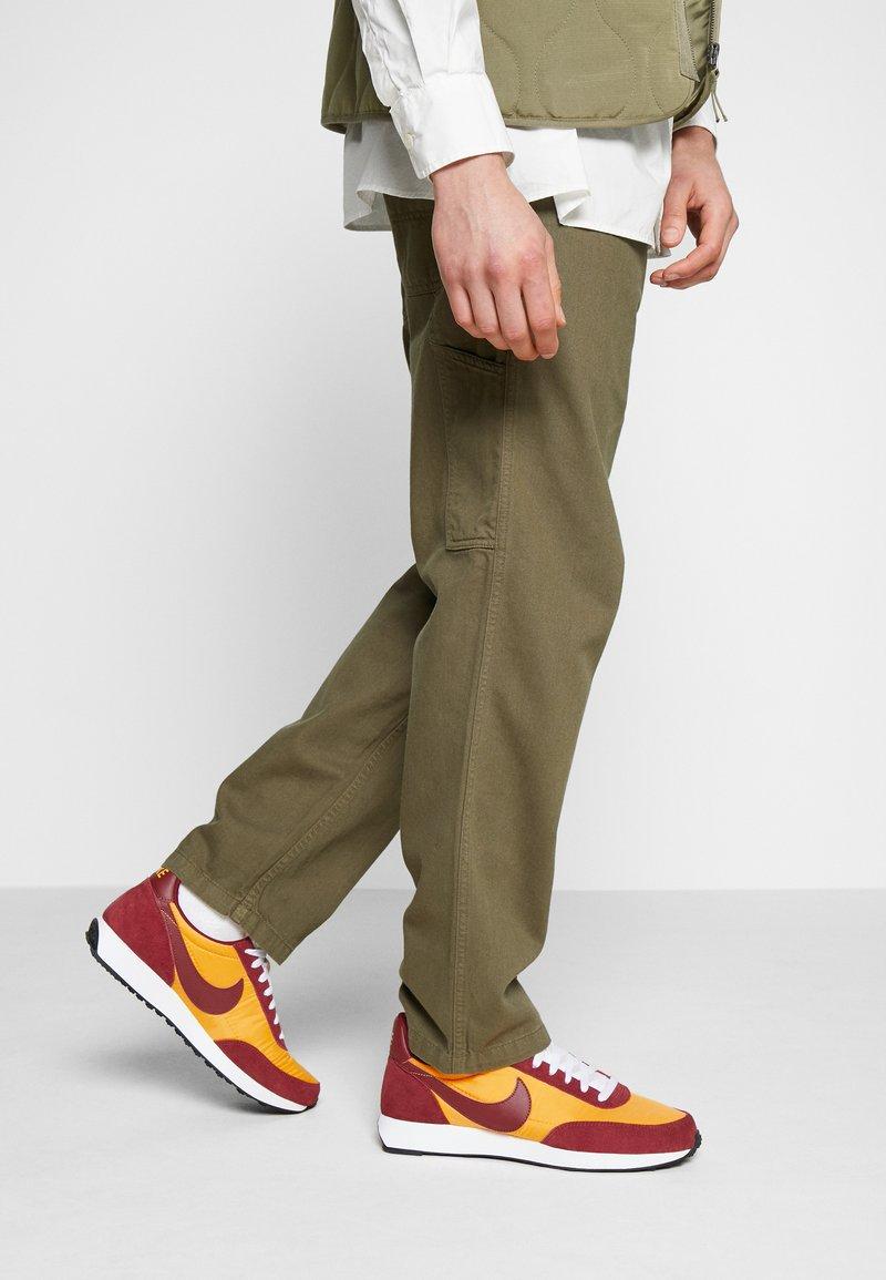 Nike Sportswear - AIR TAILWIND 79 - Trainers - university gold/team red/white/black/team orange