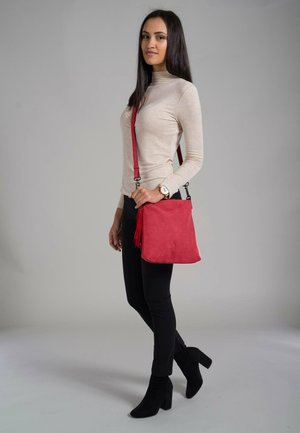 ROMY BASIC - Across body bag - red