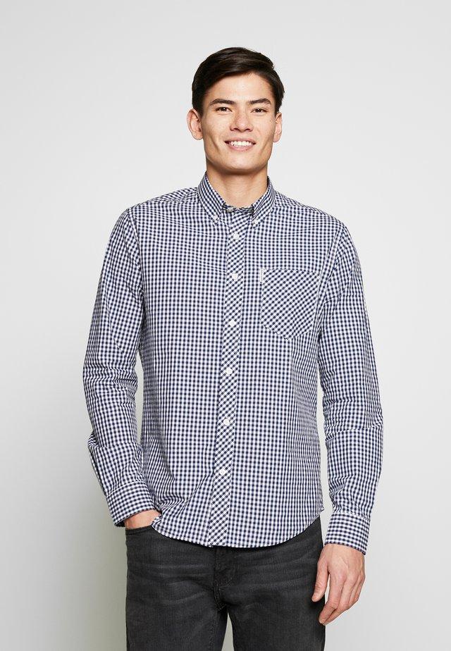CORE GINGHAM - Skjorte - blue/grey