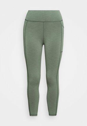 SUPER SCULPT 7/8 YOGA LEGGINGS - Leggings - heath green