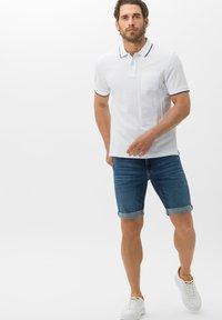 BRAX - STYLE CHRIS B - Denim shorts - authentic blue used - 1