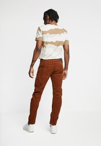 G-Star - ARC 3D SLIM FIT COLORED - Trousers - roast - 2