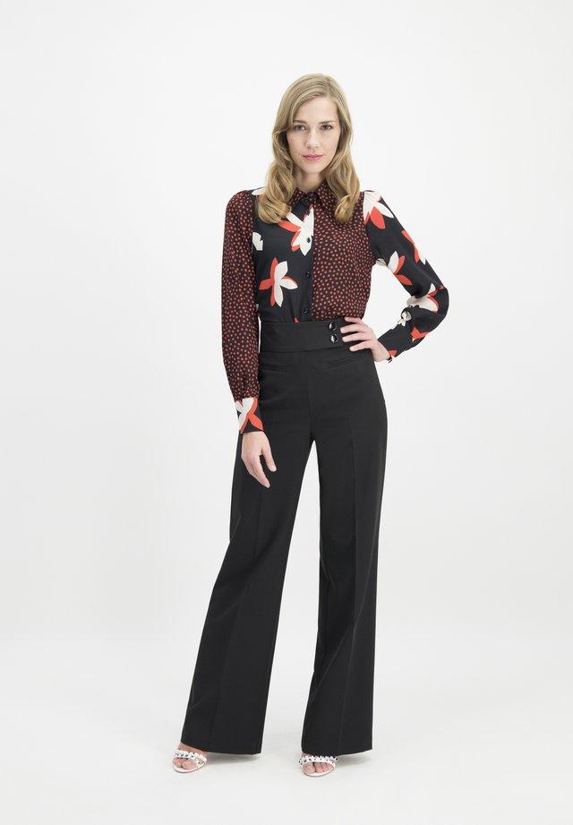 COREANA - Trousers - schwarz