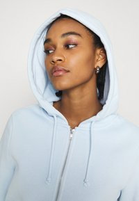 Monki - JOANNA HOODIE - Bluza rozpinana - blue light - 3