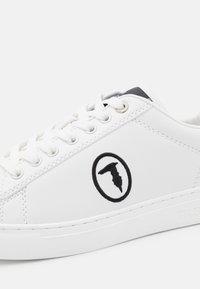 Trussardi - GALIUM POP MIX - Sneakersy niskie - white/black - 6