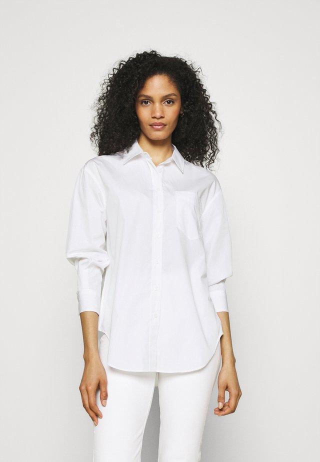 GIRLFRIEND  - Button-down blouse - white