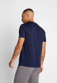 Puma - ACTIVE TEE - T-shirts basic - peacoat - 2