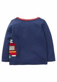 Boden - Sweatshirt - strahlendes blau, feuerwehrauto - 1