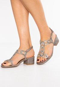 Alma en Pena - Højhælede sandaletter / Højhælede sandaler - oporto pewter - 0