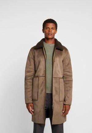 OLIVER COAT - Classic coat - woodgreen