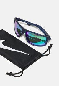 Nike Sportswear - ADRENALINE UNISEX - Sunglasses - blue/green - 2