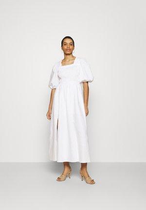 LIVI DRESS - Robe longue - chalk white