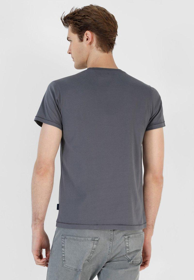 Scalpers SKULL TEE - T-Shirt basic - blue/blau 74fxPR
