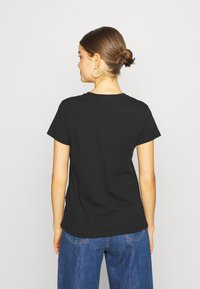 Levi's® - THE PERFECT TEE - T-shirt con stampa - black - 2