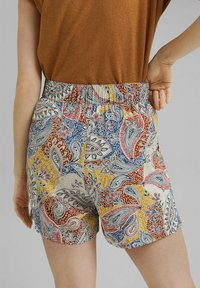 Esprit - Shorts - light beige - 10