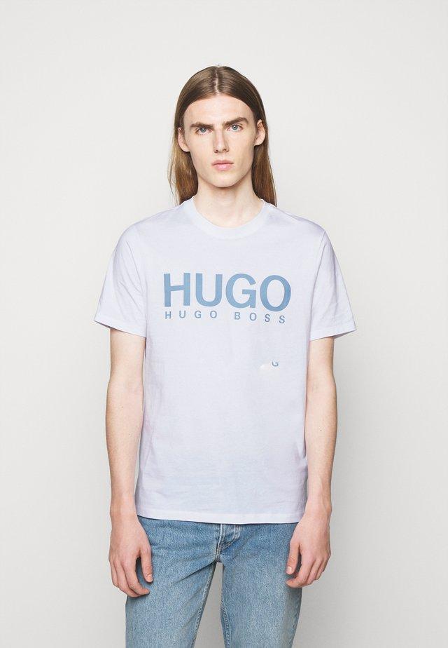 DOLIVE - Camiseta estampada - white
