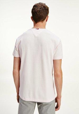 TOMMY HILFIGER HERREN T SHIRT - T-shirt basique - light pink