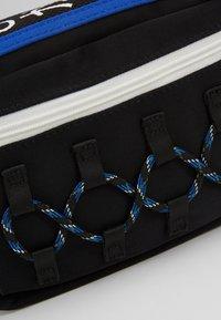 Hikari - CLIMBERS BUM BAG - Ledvinka - black/blue - 6
