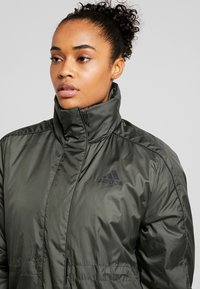 adidas Performance - INSULATED OUTDOOR FILLED THIN JACKET - Kurtka zimowa - legend earth - 4