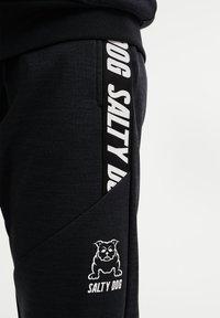 WE Fashion - SALTY DOG - Trainingsbroek - black - 2