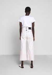 Proenza Schouler White Label - WIDE LEG CROP - Široké džíny - bleached denim - 2