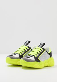 MOSCHINO - Trainers - grey/neon yellow - 3