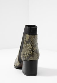 Adele Dezotti - Ankle boot - olive - 5
