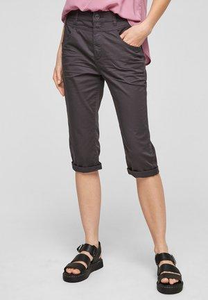 Short - dark grey